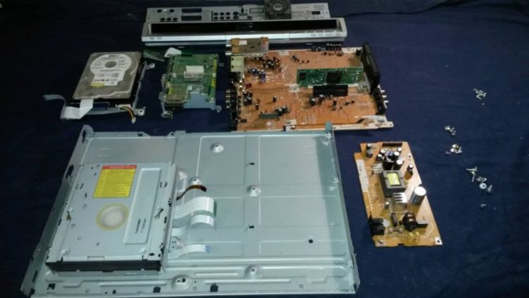Panasonic DVD Recorder stripped for service
